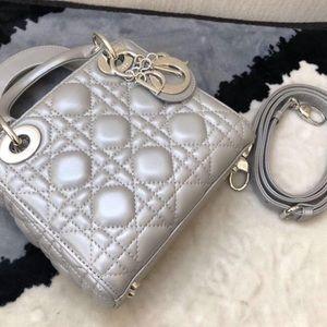 Handbags - Very cute mini handbag